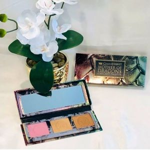 🌺Urban Decay Game Of Thrones Highlighter Palette